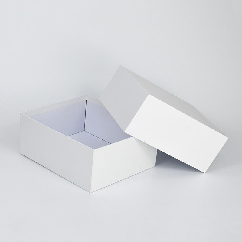 Cardboard Material Clothes Paper Packaging Box