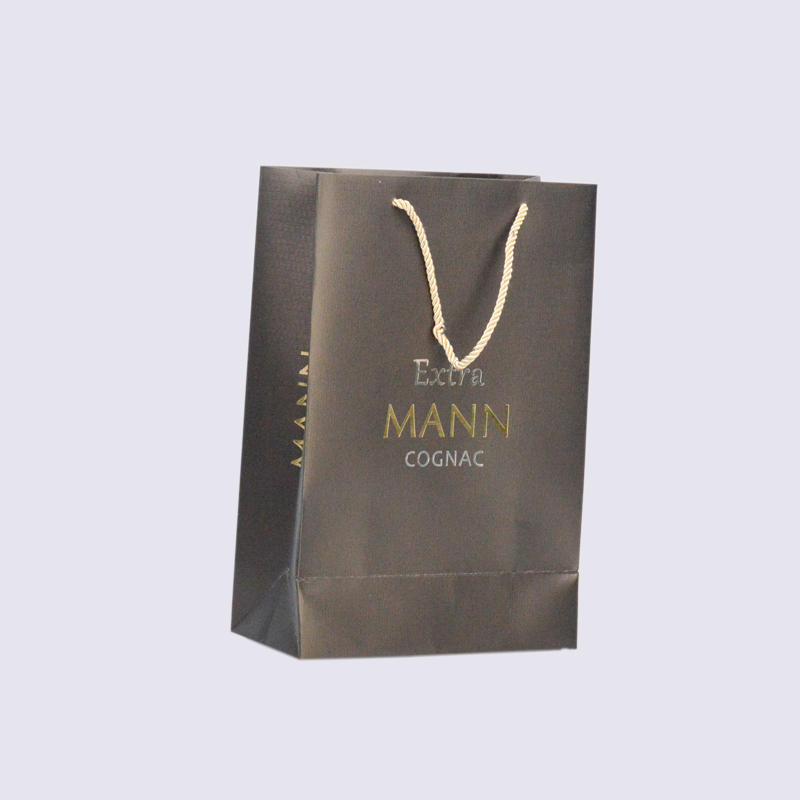Black Matte Clothing Paper Packaging Bag